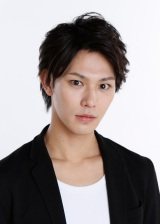 舞台『戦国BASARA 4 皇』に出演する小谷嘉一