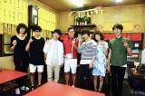 新曲が10月スタートのテレビ東京『SICKS』の主題歌に決定したことを受け、オードリーの出演パート撮影現場を訪問したCzecho No Republic(C)「SICKS」製作委員会