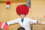 『桃太郎トマトの学校』特別授業の先生を務めたキンタロー。