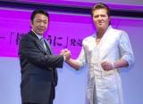 新曲「桜のように」の発売記者発表会を行った(左から)山本譲二、竹内力 (C)ORICON NewS inc.