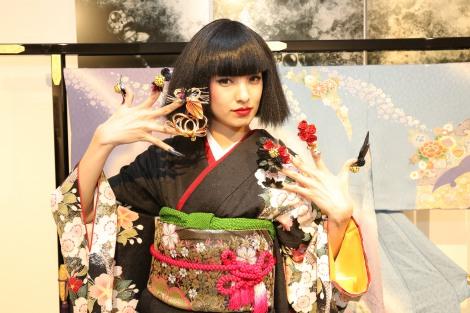 サムネイル ニューヨークで開催されたネイルファッションショーに特別ゲストとして出演した南明奈