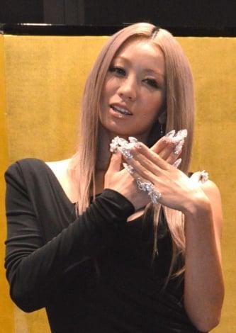 サムネイル 3年連続受賞でネイルクイーン殿堂入りを果たした倖田來未 (C)ORICON NewS inc.