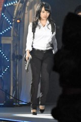 『アンフェア』で母娘役を演じた篠原涼子(雪平夏見)のコスプレで登場した向井地美音(C)ORICON NewS inc.