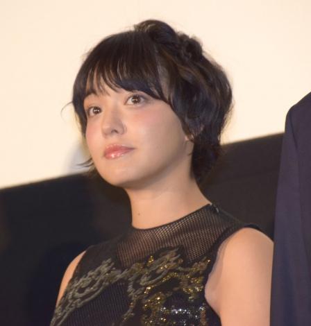 映画『ヒロイン失格』初日舞台あいさつに出席した我妻三輪子