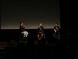 京都造形芸術大学の学園祭で行われた映画『バクマン。』の特別試写会に大根仁監督と川村元気プロデューサーが登壇