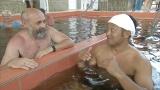 9月21日放送、TBS系『カラダスッキリ!伝説の湯めぐりツアー 〜神秘と不思議の温泉力〜』国内外から多くの湯治客が訪れるハンガリーの「ハイドゥーソボスロー」医者いらずの湯と呼ばれている(C)RKB