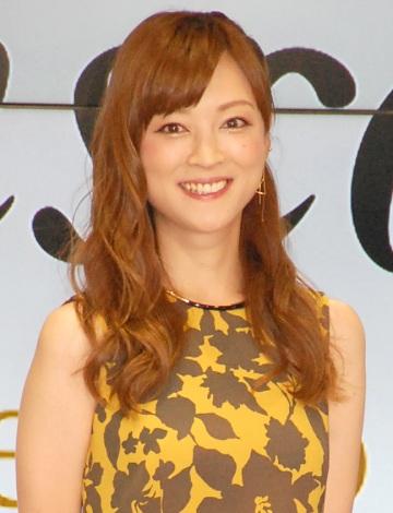 サムネイル 婚約発表後、初めて公の場に登場した吉澤ひとみ (C)ORICON NewS inc.