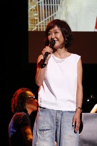 『いぬねこなかまフェス2015〜動物愛護週間にあつまろう〜』で約42年ぶりにデビュー曲「赤い風船」を生披露した浅田美代子