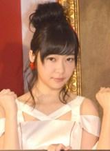 木村拓哉をステージにつれていき、一緒に「恋チュン」を踊った指原莉乃 (C)ORICON NewS inc.