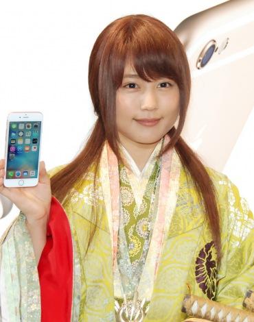 KDDI『iPhone 6s/iPhone 6s Plus』発売イベントに出席した有村架純 (C)ORICON NewS inc.