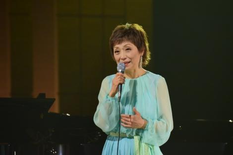 NHK『SONGS』に出演するクミコ