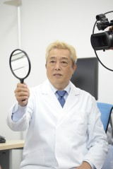 先生に扮したガダルカナル・タカ (C)oricon ME inc.