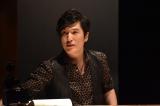 10月16日スタート、TBS系ドラマ『コウノドリ』ピアノテーマ・ピアノ監修だけでなく俳優として出演もする清塚信也(C)TBS