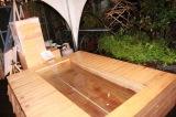 『新潟村上カフェ』で体験できる「瀬波温泉」の足湯コーナー