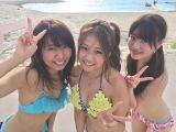 沖縄のビーチに寄り道した「Team88ラッチ!!」メンバー(左から)中村麻里子・島田晴香・中西智代梨(C)テレビ朝日