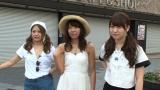 秋葉原にて番組のオープニングを撮影。左から島田晴香・中村麻里子・中西智代梨(C)テレビ朝日
