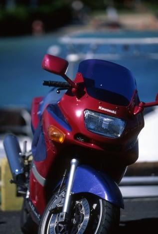 アクサ損保がライダー向けにオリジナルの「胸部プロテクター」を無料で提供(写真はイメージ)