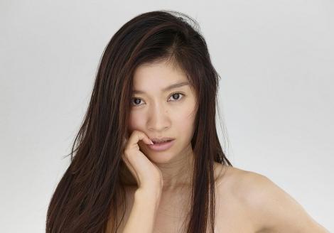 フジテレビ系『オトナ女子』で2年半ぶりに連ドラに主演する篠原涼子