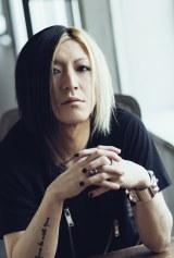 藍井エイルの11thシングルのプロデュースを手がけたHISASHI
