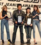 授賞式に出席した(左から)ローラ、藤岡弘、、吉田羊、森星 (C)ORICON NewS inc.