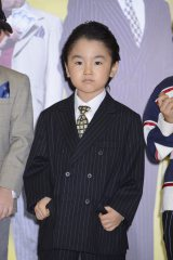 オールバックにスーツ姿で登場した寺田心 (C)2015 『龍三と七人の子分たち』 製作委員会