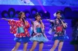 浴衣をアレンジした衣装で登場したアイドリング!!!(左から)朝日奈央、外岡えりか、横山ルリカ