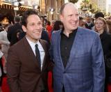 映画『アントマン』に出演するポール・ラッド(左)とケヴィン・ファイギ氏(右)