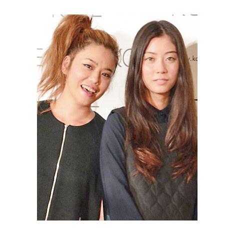 サムネイル 新ブランド「KOE」発表会で、初の母娘共演を果たしたChara(左)とSUMIRE (C)oricon ME inc.