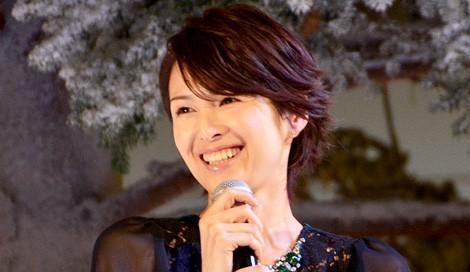 サムネイル 「KITTE」のクリスマスイルミネーション点灯式に登場した吉瀬美智子 (C)oricon ME inc.