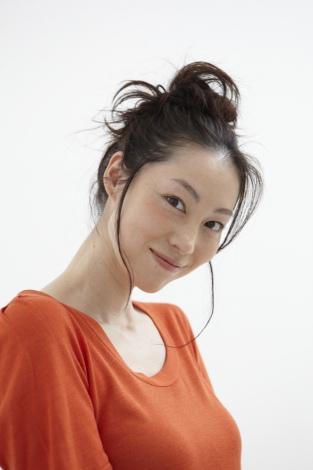 サムネイル ブログで妊娠を報告した佐藤康恵