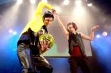 フリースタイル・バスケットボーラーのZiNEZとダンサーでコレオグラファーの仲宗根梨乃 (C)oricon ME inc.