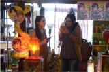 10月9日深夜スタートのテレビ東京系『SICKS〜みんながみんな、何かの病気〜』で同人作家マユを熱演した清水富美加と、相棒・リコ役の中島早貴(℃-ute)(C)「SICKS」制作委員会