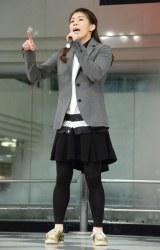 堂々と歌い上げる吉田選手 (C)ORICON NewS inc.