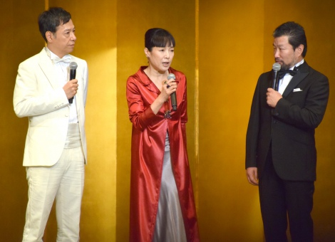 『京都国際映画祭2015』のオープニングセレモニーに出席した(左から)板尾創路、桃井かおり、木村祐一 (C)ORICON NewS inc.