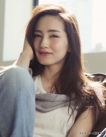 サムネイル 妊娠を発表した辻元舞
