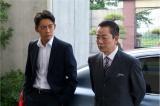 右京(右)と亘(左)、初タッグで衝撃の真実をあぶり出す(C)テレビ朝日
