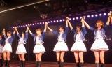 AKB48特別公演第3弾『ド〜なる?!ド〜する?!AKB48』の初日公演を行ったAKB48(左から)宮崎美穂、村山彩希、岡田奈々、谷口めぐ、川本紗矢、飯野雅 (C)ORICON NewS inc.