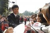 『劇場版 MOZU』の撮影地、北九州でのイベントに出席した西島秀俊