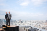 映画『ザ・ウォーク』の来日記者会見に出席した(左から)ロバート・ゼメキス氏、ジャック・ラブキー氏 (C)ORICON NewS inc.