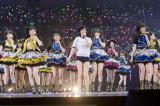 体操着姿の須藤凛々花がステージ中央で「ドリアン少年」を披露(C)NMB48