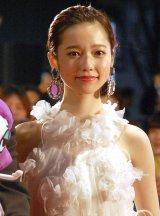 『第28回東京国際映画祭』のレッドカーペットに登場した島崎遥香 (C)ORICON NewS inc.