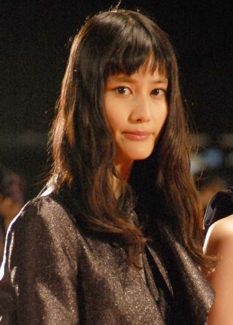 『第28回東京国際映画祭』のレッドカーペットに登場した橋本愛 (C)ORICON NewS inc.