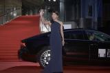 『第28回東京国際映画祭』のレッドカーペットに登場した竹内結子