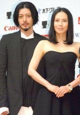 映画『FOUJITA』記者会見に出席した(左から)オダギリジョー、中谷美紀 (C)ORICON NewS inc.
