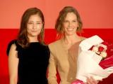 映画『サヨナラの代わりに』来日記念イベントに出席した(左から)黒木メイサ、ヒラリー・スワンク (C)ORICON NewS inc.