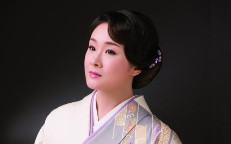 サムネイル 一般男性との結婚を発表した演歌歌手の上杉香緒里