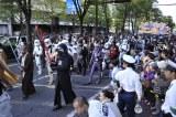 『スター・ウォーズ』のキャラクターの仮装をした100人が参加