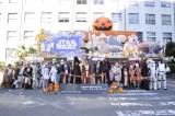 青森ねぶた祭りに登場した「スター・ウォーズねぶた」がパレードに華を添えた