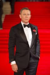 『007 スペクター』のロイヤルプレミアに登場したダニエル・クレイグ
