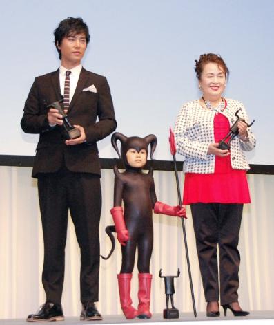 CMコンクール『2015 55th ACC CM FESTIVAL』贈賞式に出席した(左から)桐谷健太、寺田心、渡辺えり (C)ORICON NewS inc.